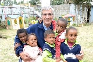 Andre Plank et orphelins maison ACEDE Ethiopie